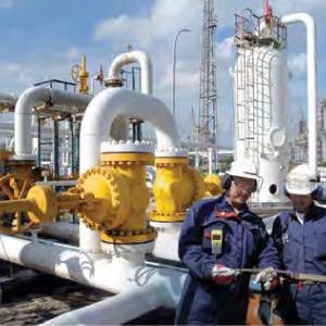 Oil-Service-Crew